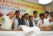 son dissects fathers body in the presnnce of prinicipal Dr B.S.Prasad sir and KLE U Chancellor Dr Prabhakar Kore sir on nov 13 2010
