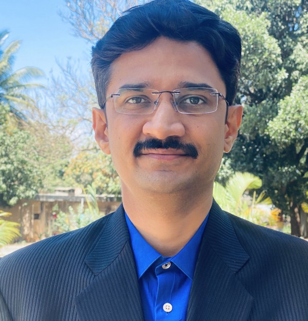 Dr.Vaibhav Patil